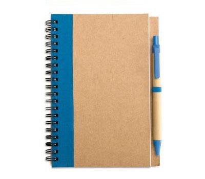 Блокнот с ручкой. Удобно для записи. 15 наименований вещей, которые надо взять с собой в путешествие