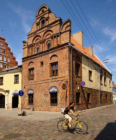 Каунас. Фото Каунаса. Туры в Прибалтику на майские