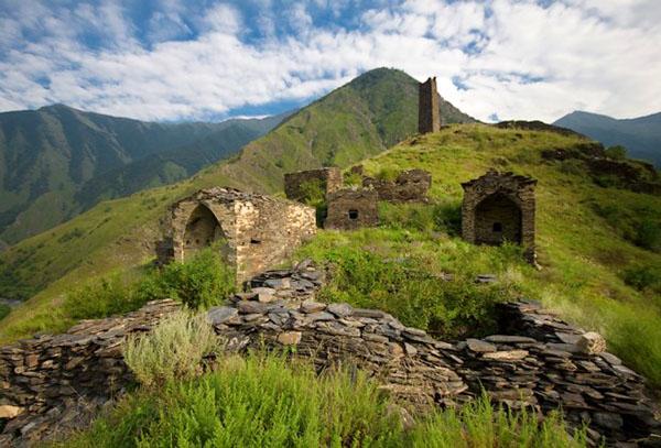 Экскурсии Горная Чечня туры Цой-Педе город мертвых