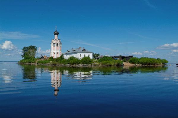 Кубенское озеро Спас-Каменный катер