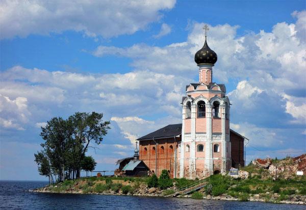 Остров Каменный Кубенское озеро Спасо-Каменный монастырь