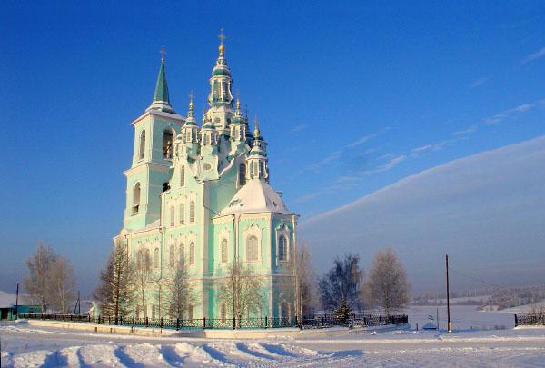 Нижняя Синячиха храм зима Свердловская область
