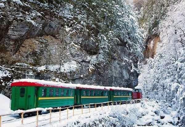 УЖД Гуамское ущелье зимой Краснодарский край